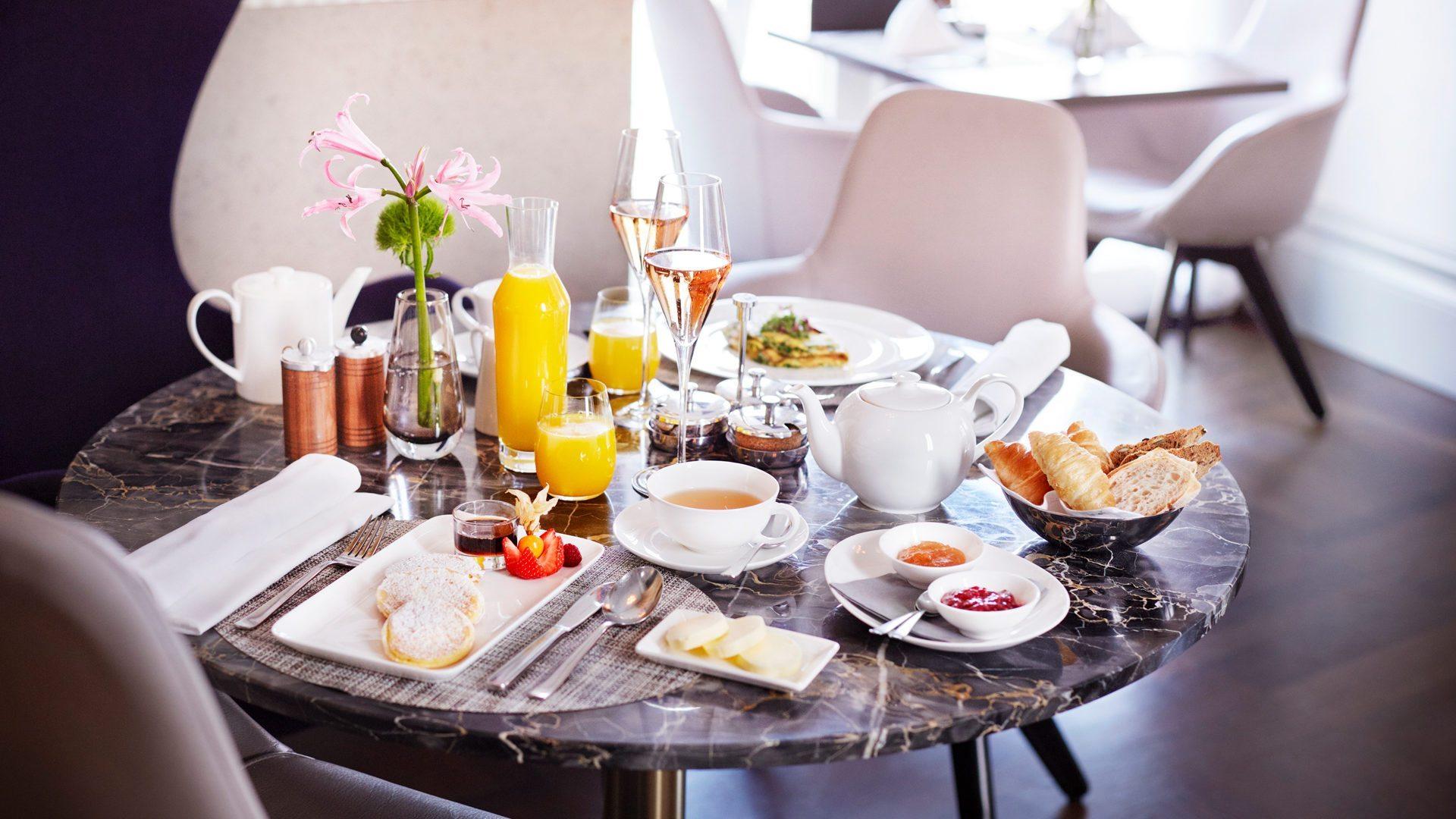 Frühstück im Hotel Sans Souci Wien