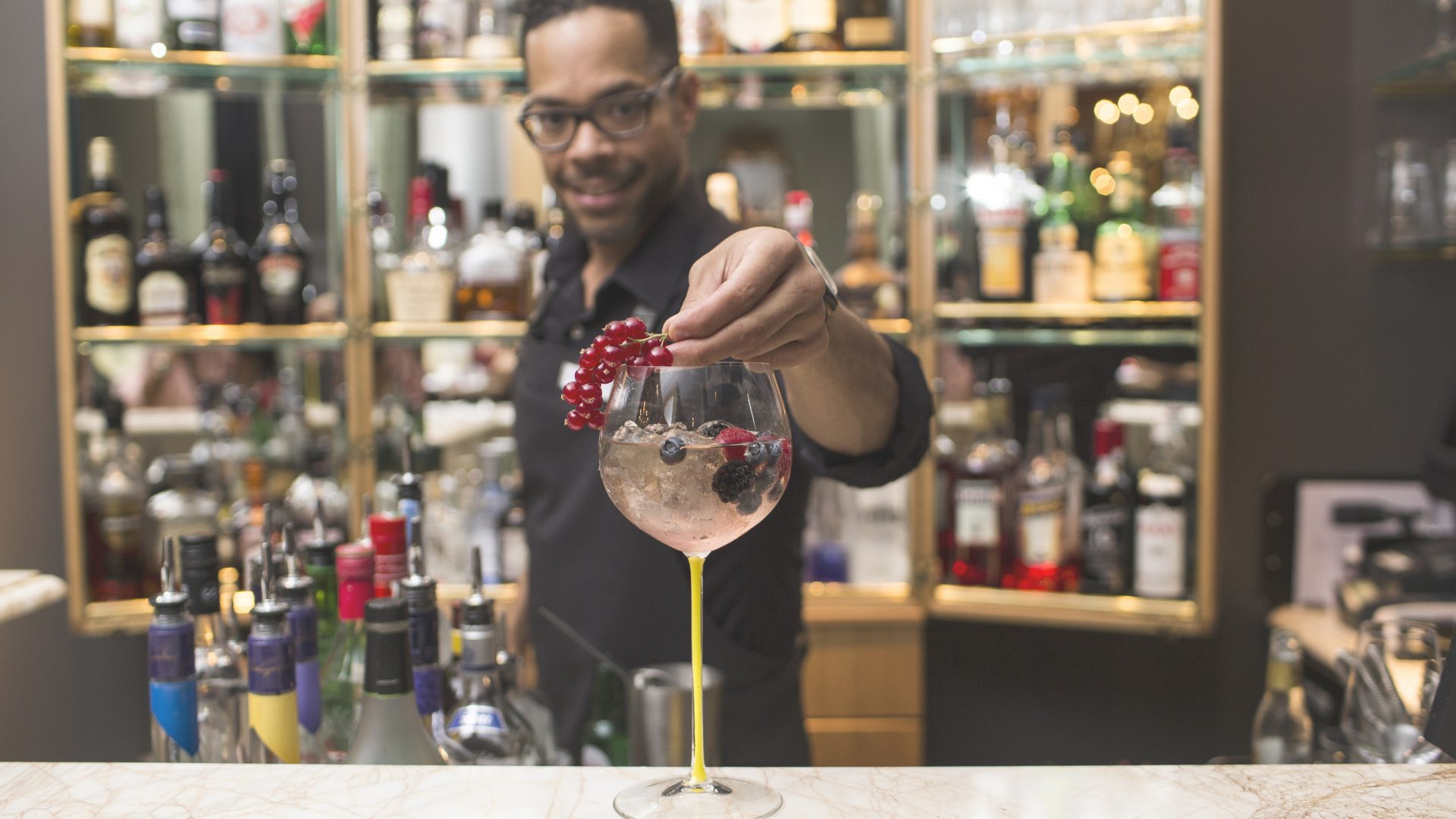 Barkeeper LE BAR Sans Souci