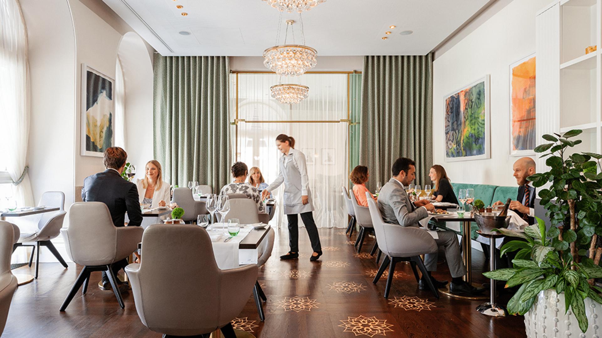 Easy business lunch hotel sans souci vienna - Cuisine veranda photos ...