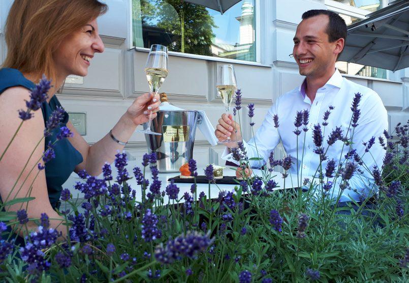 Champagner Schanigarten Sans Souci Wien