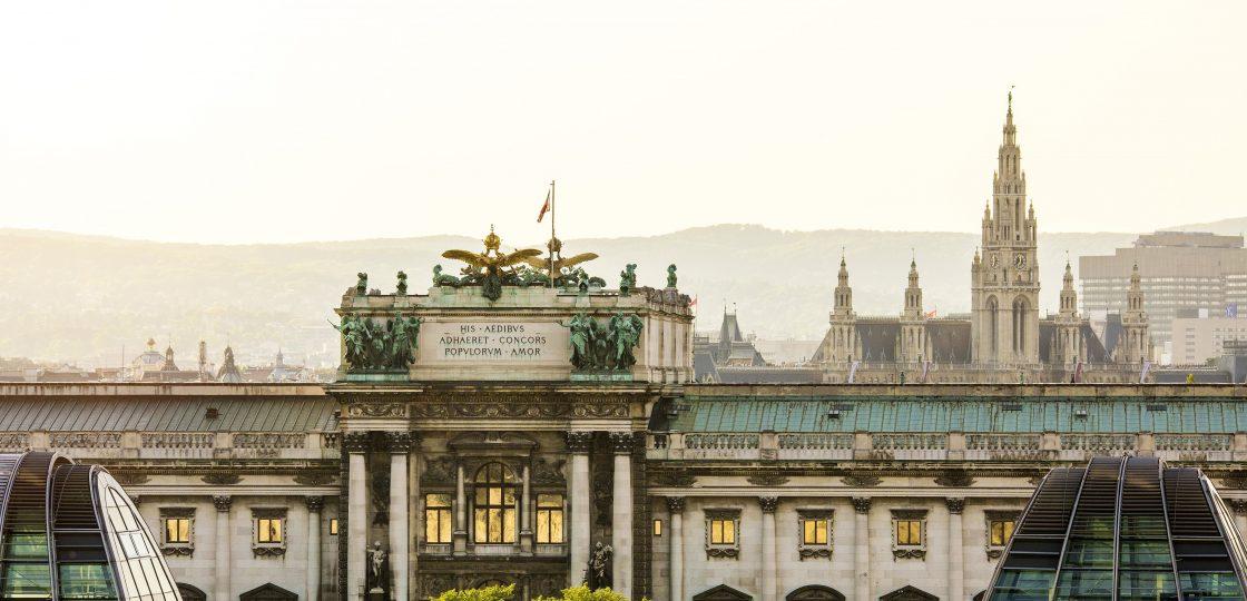 Sans Souci Wien Ballsaison WienTourismus Christian Stemper Blick auf die Hofburg
