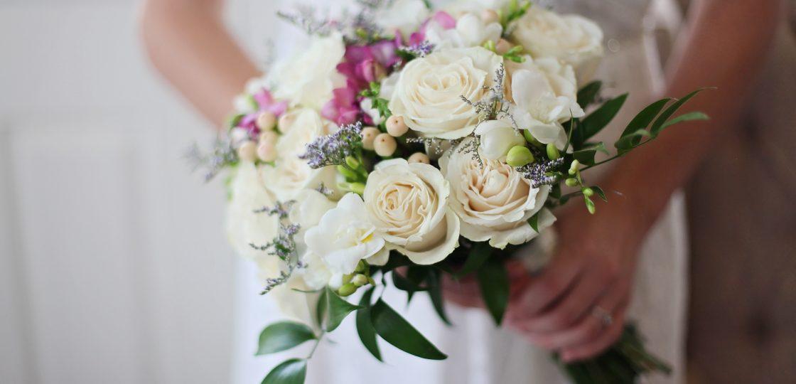 Blumenstrauß Hochzeit in Wien Sans Souci