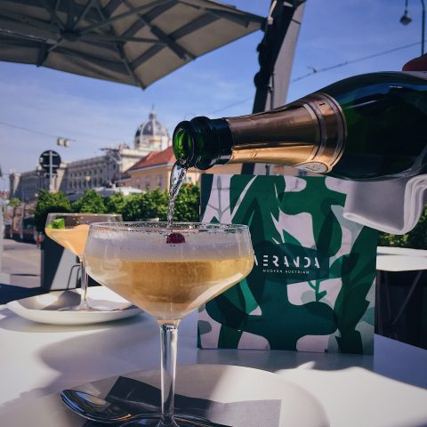 Laurent Perrier Sommer Lounge in Wien LE BAR Sans Souci Hotel -c-Kessler