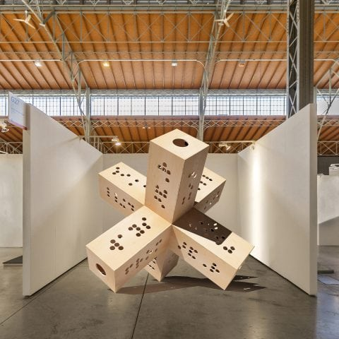 Alexander Viscio Six ways from Sunday makes for a full week, 2018 Sculpture, wood, performance object 3 x 3 x 3 m Photo Alexander Viscio Courtesy of the artist and Galerie Michaela Stock